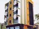مبني تجاري ممتاز يتكون من صالة تجارية وشقة فوق وعرصات لبناء شقة ثانية واجهتيين