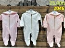 ملابس اطفال من الصفر الى سنة stock