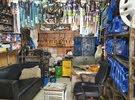 محل تجاري بنشر وكهرباء للبيع بأبو حليفة