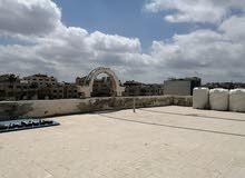 محل، روف و طابق للايجار وبمساحات مختلفه قرب دوار المنهل