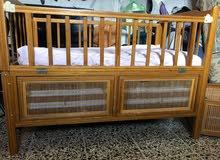سرير طفل خشب صاج جديد مع حمالة لبيع