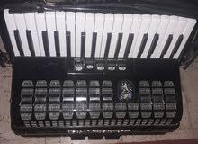 بيع آلة موسيقى أكورديون importé d Allemagne en bonne état  380d