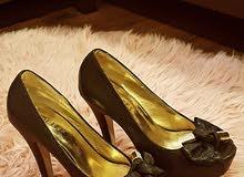حذاء كعب عالي