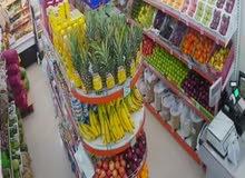 محل مواد غذائية وخضار وفواكه للبيع مدخول ممتاز في حولي شارع المثني بسعر مغري