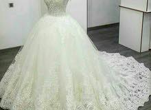 بدلة زفاف للبيع او للايجار