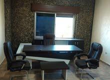 يوجدي لدي مكتب للايجار سنوي مفروش في ارقي مناطق عمان الشميساني