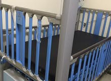 سرير كهربائي للمريض مع الأجهزة