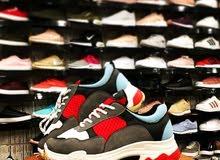 محل  سباط  للأحذية والحقائب لجميع انواع الاحدية رجال اطفال ونساء