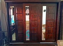 80d14d15f Expensive Hardwood wardrobe with 3 sliding door partitions going cheap