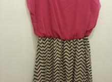 فستان للبيع السعر 14دينار