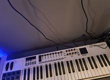 للبيع ميدي كونترولر m audio 49 شبه جديد