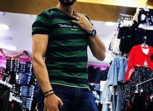 انا شاب اردني مقيم بالامارات لدي خبره بالالبسه 11 سنه حسن المظهر وحسن السيره