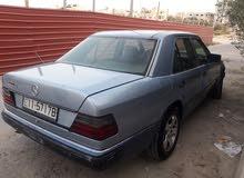 Mercedes Benz E 200 car for sale 1992 in Zarqa city
