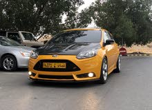 Yellow Ford Focus 2014 for sale