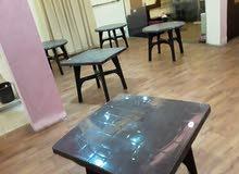 طاولات وكراسي بلاستيك