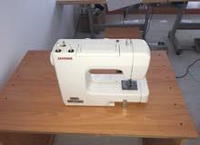 ادوات محل خياطة بحالة جديدة لم يتم الاستخدام