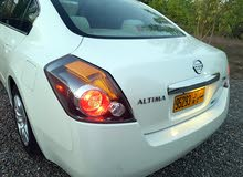 White Nissan Altima 2010 for sale