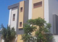 فيلا ثلاث طوابق  بقرب مول طرابلس طريق البينية ومصنع النجمة
