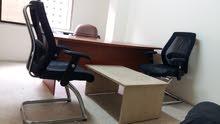 أثاث مكتب بحالة جيدة