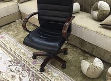 كرسي للبيع 150دينار