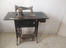 مكنة خياطة قديمه