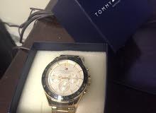 ساعة تومي فخمة جديدة لون ذهبي اطلر ازرق مميز للبيع