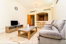 دبي سيليكون غرفة وصالة مفروشة مع بلكونه ايجار شهري شامل