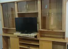 معرض تلفزيون ومكتبه