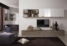 طاولة تلفزيون مع خزانات مذهلة للتخزين