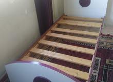 غرفة نوم شبابية نظيفة للبيع