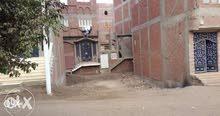 قطعة ارض واجهة 14متر بتصريح البناء بمنطقة سكنية حيوية