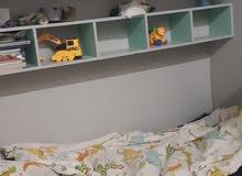 سرير اطفال مع دولاب