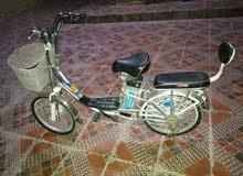 دراجه كهربائيه للبيع نضيف بس المكينه خربانه يبغالها تصليح