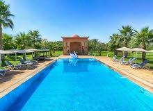 قصر راقي للبيع 7 أجنحة بمدينة مراكش الساحرة بالمغرب