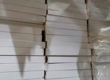 رفوف خشبية سهلة التركيب مقاسها 120*40.  بحالة جيدة    70 حبة تقريبا مكلفين 7500