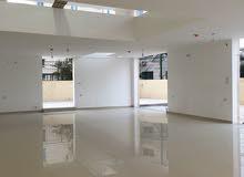 محل تجاري بمساحة كبيرة جدا للبيع منطقة السابع