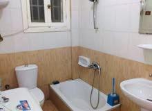 شقة مفروشة للايجار 50 خطوة من (  حقيقي )مسجد الحصري فقط لاسرة صغيرة او طالبات