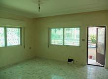 شقة طابق ارضي مساحتها 126م
