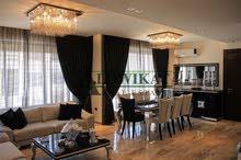 شقة أرضية للبيع في الاردن - عمان - خلدا بمساحة 220م مع مساحات خارجية 100م