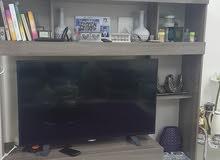 خزانة تلفاز من حول الامارات