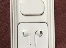 orginal charger and EarPods for iPhone X unused ( new brand)