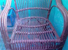 عدد 2 كرسي خرزان محتاج تبيض فقط