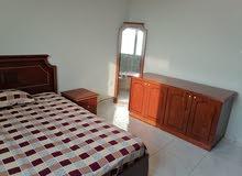 للبيع غرفة نوم بحالة ممتازة