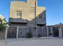 منزل دورين في الخمس المدينة بالشهادة العقارية