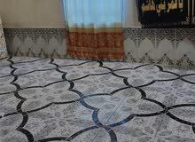بيت حواسم للبيع نضيف من كلشي سيراميك وسقف ثانوي حمامات خارج البيت