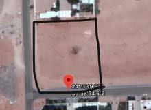 ارض 200x200 زاويه و شارعين في البطين