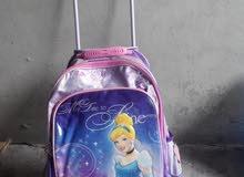 حقيبة مدرسية مجرورة باليد استعمال بسيط (جودة)