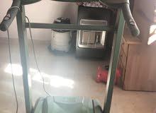 آلة رياضية للجري / مستعملة / بلد الصنع كوري اصلي / قابل  للتفاوض فالسعر / يتحمل وزن 180 Kg
