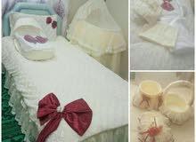 مفرش النفاس للبيع او للايجار .   يتكون المفرش من :  1- منز / سرير متنقل للطفل