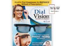 نظارة طبية قابلة للتعديل حيث تحتوي على عدستين لتناسب جميع الدرجات سواءقصر او بعد